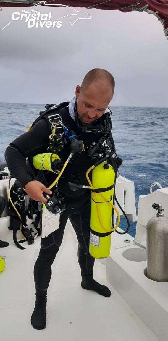 "alt=""Crystal-Divers-Mauritius-SR1"""